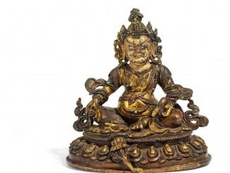 Vaishravana – Gott des Reichtums, Kupferbronze mit Feuervergoldung, Tibet ca. 18. Jh., Höhe 13,5cm, Taxe: 5.000 – 6.000 Euro